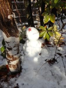 午前の雪だるま